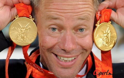 图文-马术障碍赛精彩回顾 罗迈克展示金牌