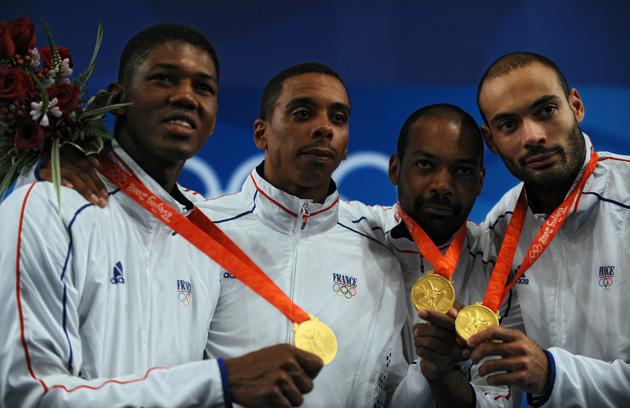 图文-[奥运]男子重剑团体决赛 法国队秀出金牌