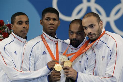男子重剑团体法国夺冠