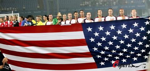 图文-[奥运会]挪威女足VS美国 美国队员整装待发