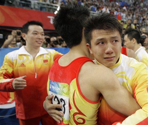 图文-奥运竞技体操项目精彩回顾 兄弟不哭