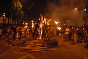 祝福北京彝族背景资料之 用于祈福的火把节的传说