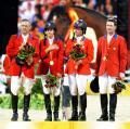 图文-奥运18日金牌汇总 马术障碍公开团体美国夺金