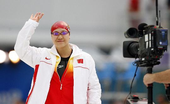 图文-朱颖文女子100米自由泳获第六 赛前亮相
