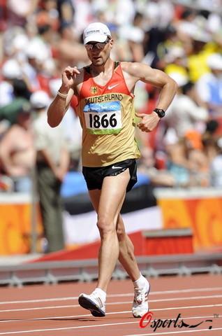 图文-北京奥运会男子20公里竞走 德国选手
