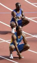 图文-奥运会男子400米预赛 选手都在等待成绩