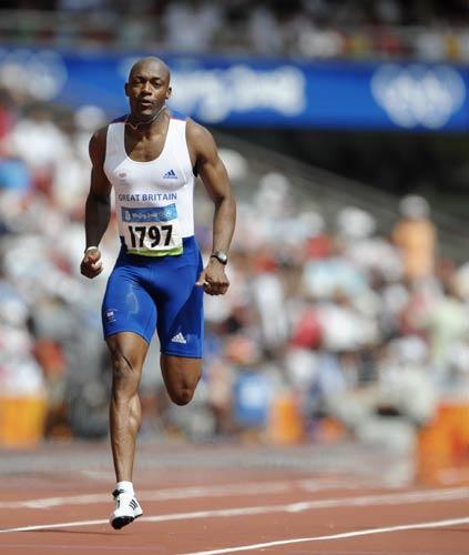 图文-奥运会男子200米预赛 英国选手大步向前