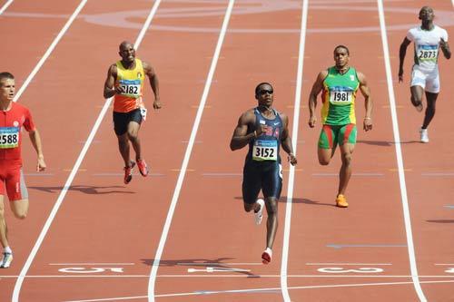 图文-奥运会男子200米预赛 肖恩率先冲线