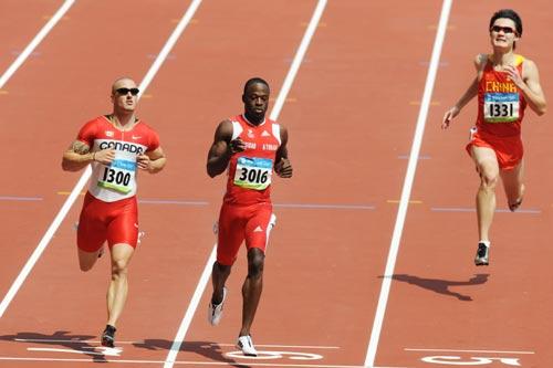 图文-奥运会男子200米预赛 张培萌与高手仍有差距