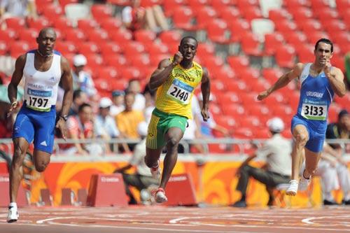 图文-奥运会男子200米预赛 看看谁的步子大