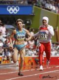 图文-奥运女子200米预赛跑得吃力