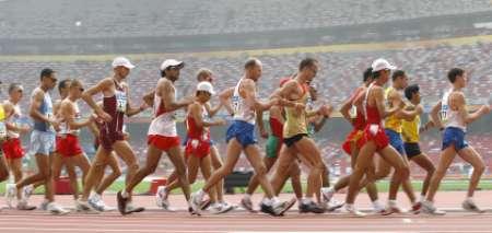 图文-奥运男子50公里竞走决赛 选手争先恐后
