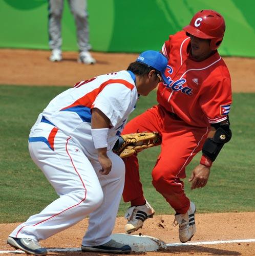 图文-19日棒球预赛赛况 这动作太过分了