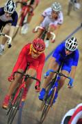图文-自行车女子记分赛决赛赛况 李燕在比赛中冲刺
