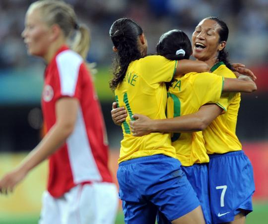 女足1/4决赛巴西2-1挪威