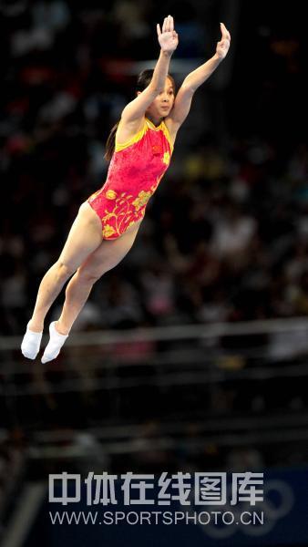 图文-奥运会蹦床赛黄珊汕无缘决赛 空中姿态优美