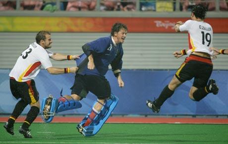 图文-男曲半决赛德国队晋级 一定要抓住他