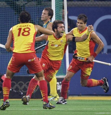 图文-男曲半决赛德国队晋级 进球后先找谁