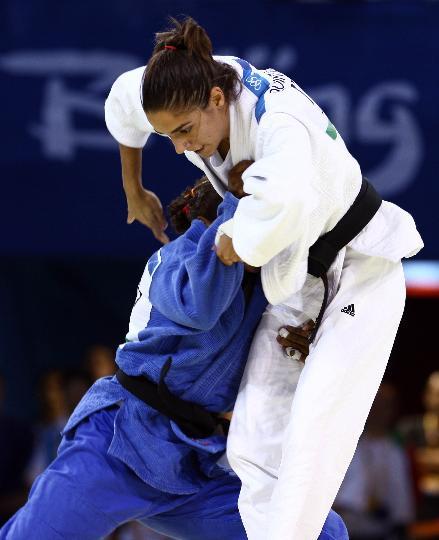 图文-女柔57公斤级意大利选手摘金 昆塔瓦莱比赛中