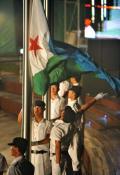 各国代表团举行升旗仪式