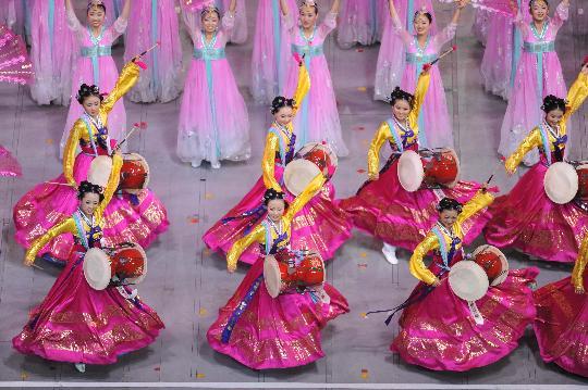 图文-2008北京奥运会开幕式 传统民族舞蹈表演