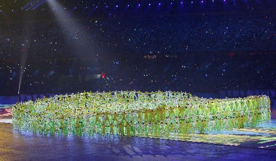 图文-2008北京奥运会开幕式 绿色的鸟巢表演