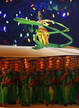 """图文-北京奥运会开幕式盛大表演 仙女""""翩翩起舞"""""""