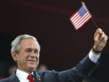 图文-各国政要观看奥运开幕式 美国总统布什挥手致意