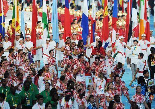 图文-北京奥运会闭幕式盛况 运动员们欢快入场