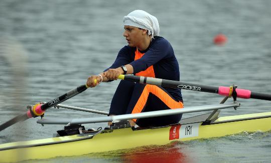 图文-女子单人双桨预赛赛况 伊朗女选手侯赛尼