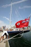 图文:40米大帆船做客奥帆赛