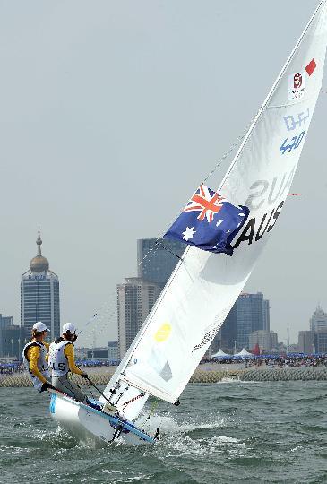 图文-女子双人艇470级决赛赛 小心船可别翻了