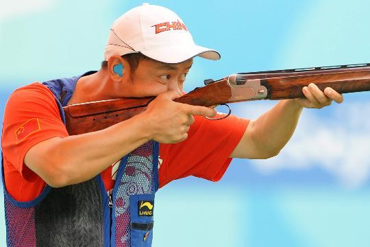 图文-中国选手李亚军无缘决赛 举枪瞄准