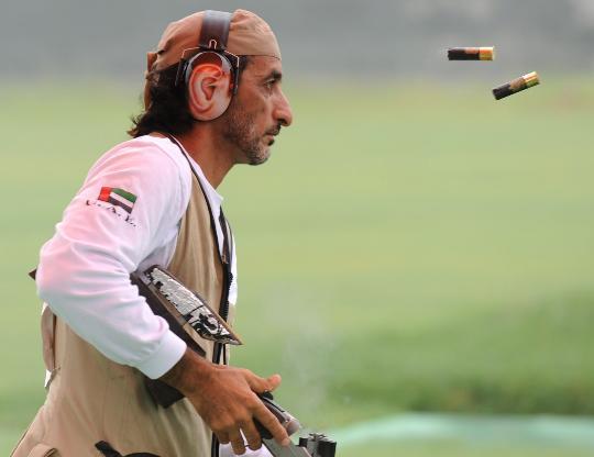 图文-阿联酋王子无缘飞碟多向决赛 弹壳飞出枪膛