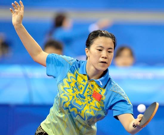 图文-[乒乓球]女团首轮中国队取胜 王楠轻松接