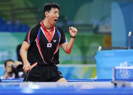 图文-男团铜牌附加赛韩国晋级 吴尚垠大喜