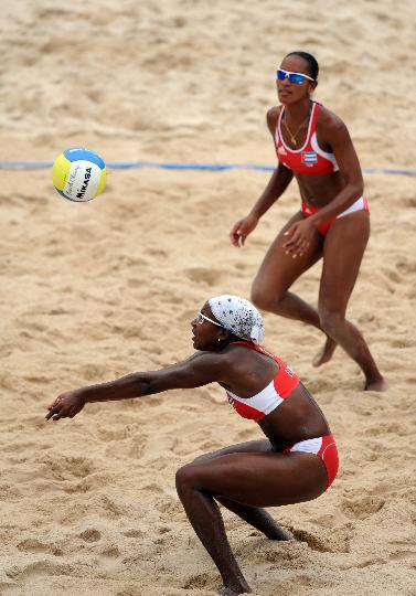 图文-女子沙排古巴战胜荷兰 黝黑的皮肤很健康