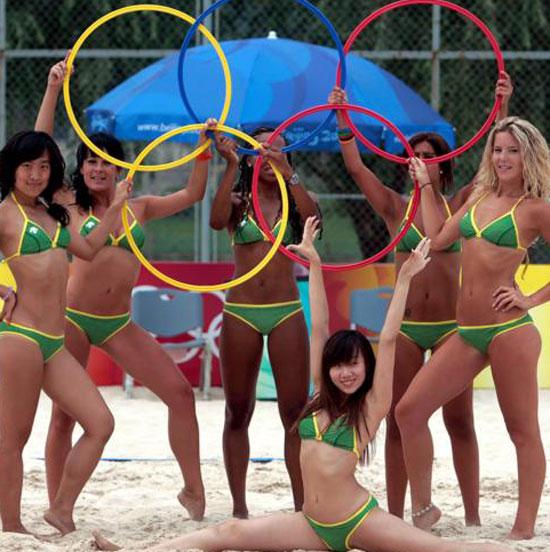 图文-奥运会沙排经典瞬间回顾 五环在身边