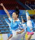 图文-举重啦啦队训练 广东大学生联合拉拉队队员训练