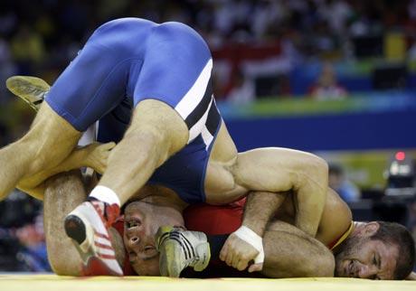 图文-摔跤男子自由式96公斤级 谁的姿势都不好受