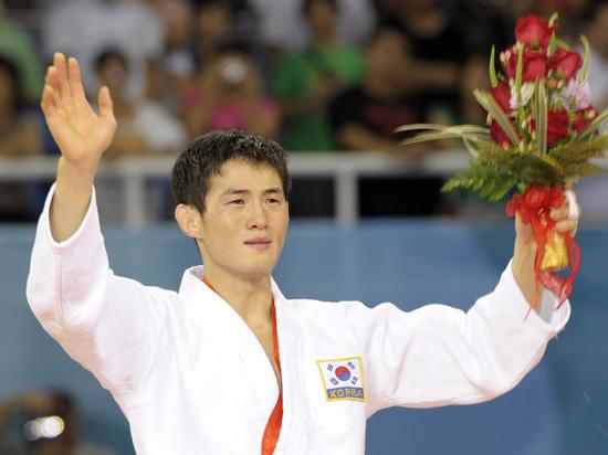图文-奥运男子柔道60公斤级 韩国选手崔敏浩夺冠