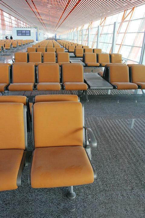 资料图片:首都机场T3航站楼--旅客等候席