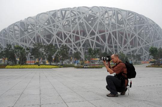 图文-奥运倒计时1天鸟巢静候开幕式 时刻记录着