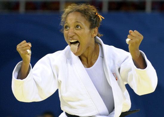 图文-奥运比赛众生相 柔道运动员兴奋吐舌