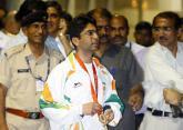 印度射击冠军归国受欢迎