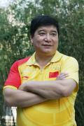 图文-中国射击队酷帅写真 王义夫开心展望未来