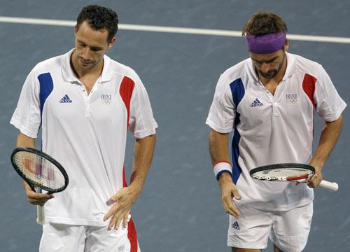 图文-网球男子双打三四名决赛 法国组合无奈