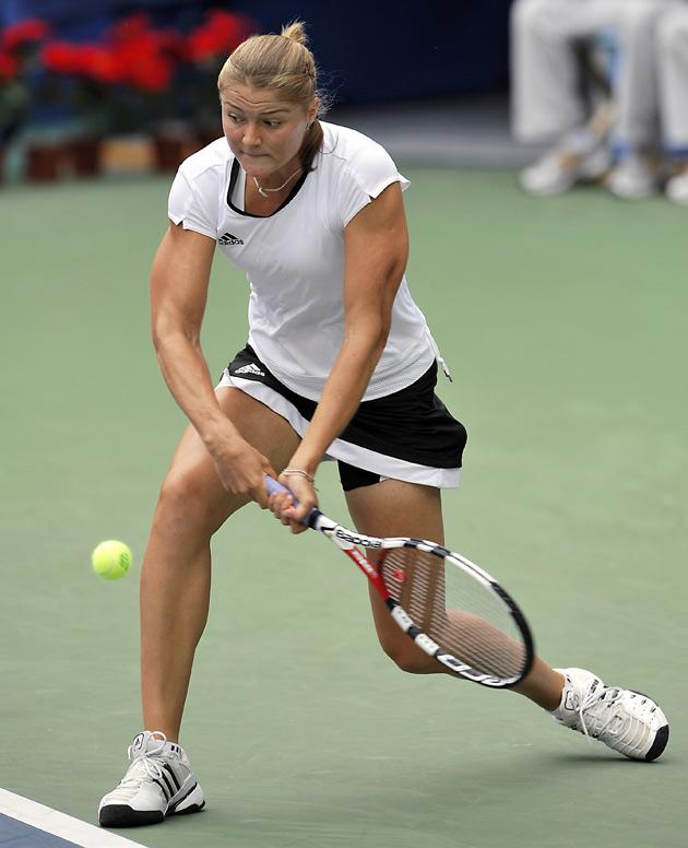 图文-[奥运]网球女单半决赛 萨芬娜拥有身体优势