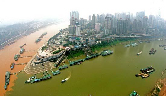 重庆著名景点:朝天门两江交汇 地标性建筑解放碑