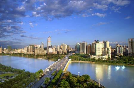 南宁南湖:湖面明净如镜碧波潋滟 见证南宁新变化